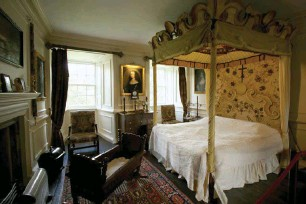 traquair bedroom