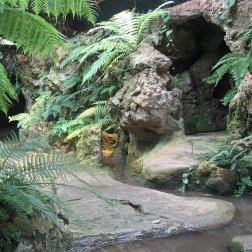 Grotto,_Dewstow_Gardens_-_geograph.org.uk_-_656357